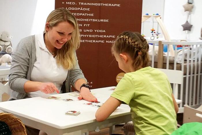 Logopädie im UNICUM Stuttgart. Als erfahrene Logopäden gehen wir einfühlsam auf Ihre Probleme ein. Die Logopädie umfasst die Diagnostik und Behandlung von Stimmstörungen, Sprechstörungen, Sprachstörungen und Schluckstörungen. Wir bieten auch erfolgreiche Therapien gegen das Stottern.